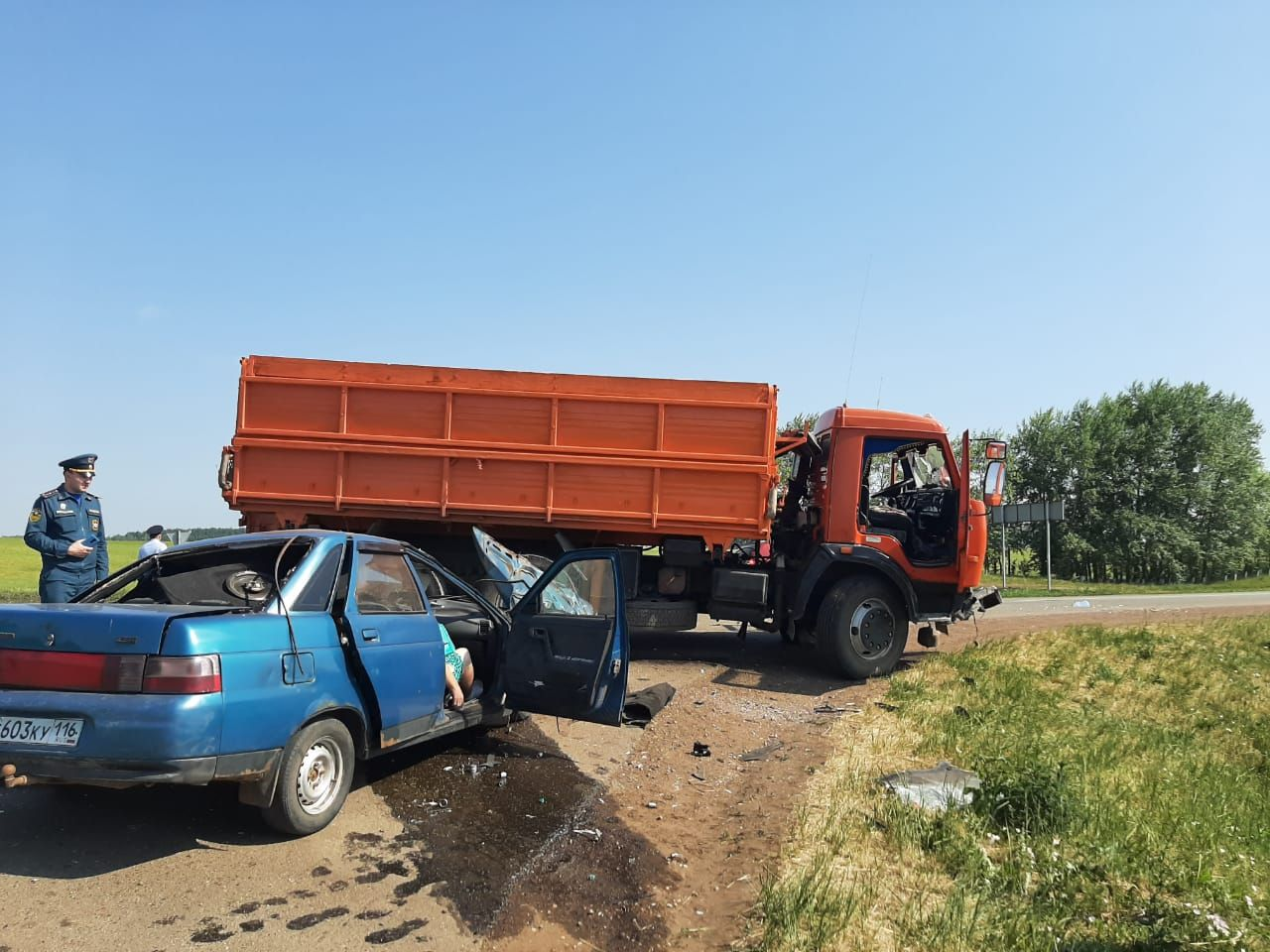 Супружеская пара погибла в результате жуткого ДТП в Татарстане