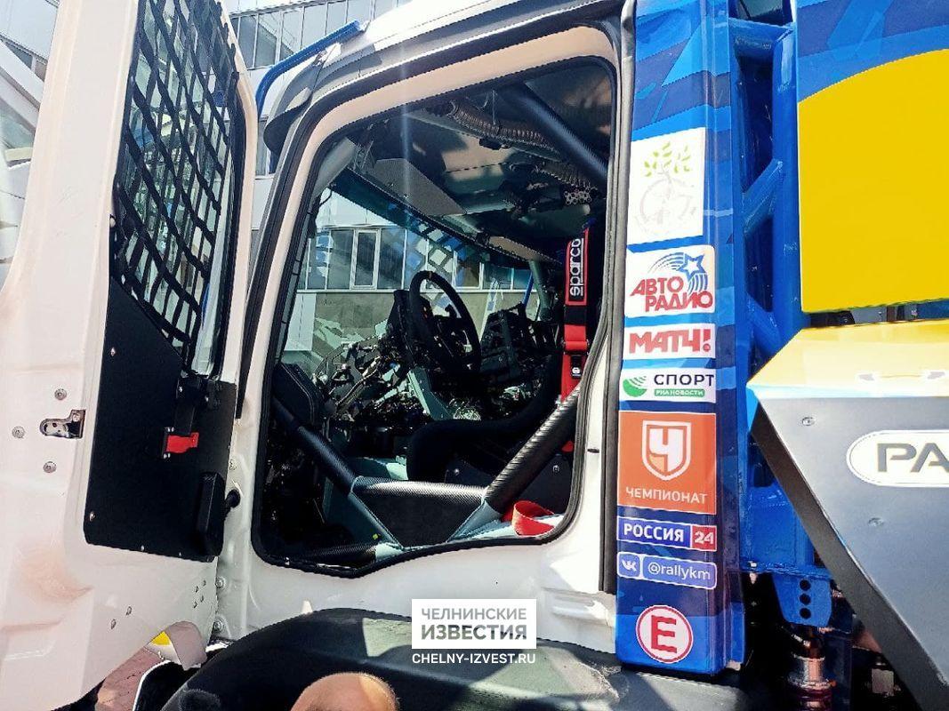 В Челнах представили новый спортивный грузовик команды «КАМАЗ-мастер»