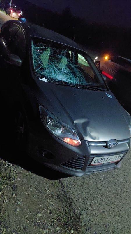 Водитель по пути в Набережные Челны сбил на дороге 46-летнюю женщину