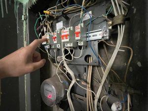 Могут ли отключить электроэнергию в квартире за долг в один месяц