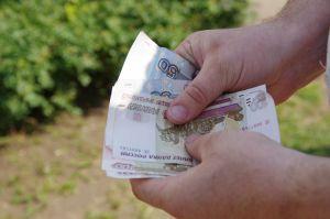 На предприятиях Челнов обещают одну зарплату, а платят другую