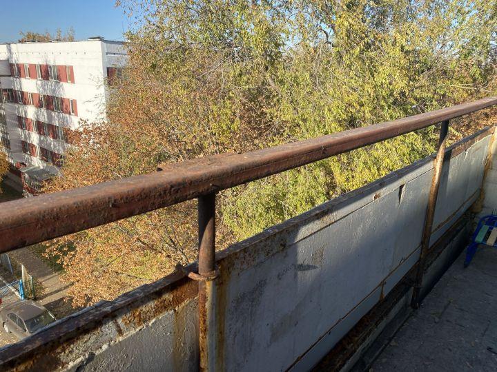 Челнинцы не знают, что делать с балконами на пятых этажах
