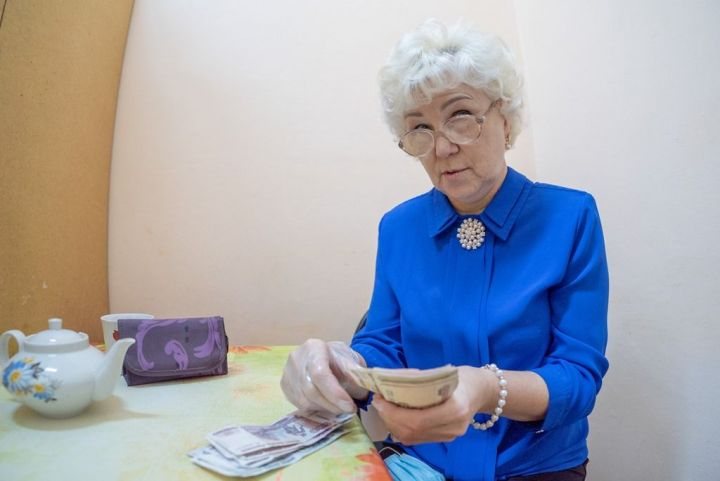 С какого месяца начинают платить пенсию с индексацией тем, кто уже прекратил работать