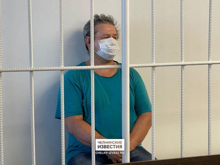 Подозреваемого в зверском убийстве пенсионеров отправили под арест на два месяца