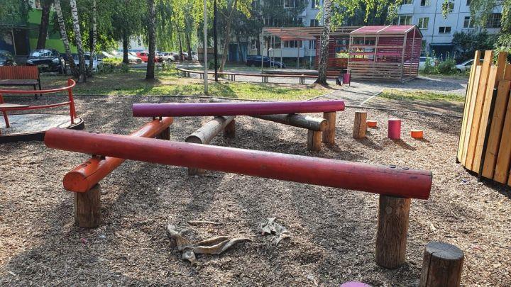 «Проект был шикарный»: в Челнах ищут хозяина детской площадки, построенной три года назад